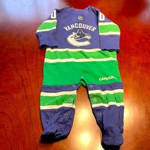 Vancouver Canucks one piece size 0-3M